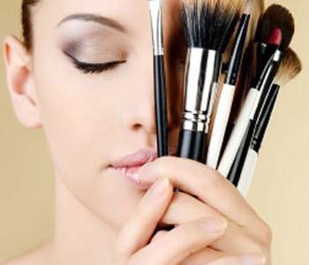 10-dicas-de-maquiagem-dermatologia-e-saude-350x300