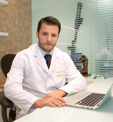 Dr. Marcelo Brollo, Médico Dermatologista