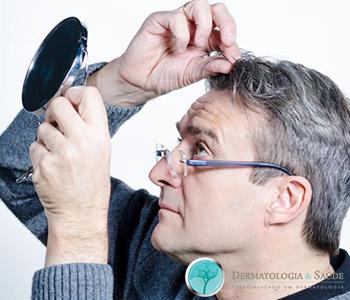 cabelos-brancos-por-que-eles-aparecem-dermatologia-e-saude-1